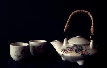 女性の悩みむくみや冷え性などの女性の悩みに! 黒豆茶の効能は?