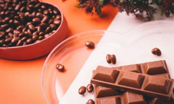 家でも簡単に作れる! 黒豆を使った「黒豆チョコレート」の味わい方とその作り方について