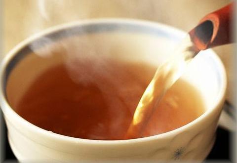 美容に良いといわれている黒豆茶をチョイスするのもアリ